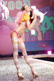 th_08661_fashiongallery_VSShow08_Show-186_122_1112lo.jpg