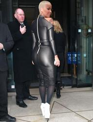 Amber Rose - Wears An Mind-Numbingly Tight Dress