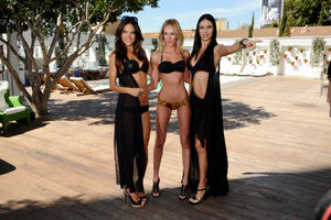 th 535217328 download 14 122 157lo Adriana Lima, Alessandra Ambrosio & Candice Swanepoel @ VS Angels swimwear launch 2011 high resolution candids