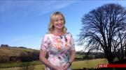 Carol Kirkwood (bbc weather) Th_988105988_003_122_226lo