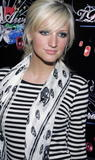 Ashlee Simpson @ MTV's TRL Awards [HQ]