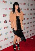 Katy Perry - Страница 5 Th_60989_06gdsg_123_405lo