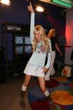 Slight Cleavage Ashley Tisdale See through tank top Foto 227 (Незначительное Дробление Эшли Тисдэйл видеть сквозь Майка Фото 227)