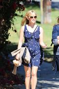 Риз Уизерспун, фото 4902. Reese Witherspoon out and about in Brentwood, march 3, foto 4902