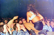 Incredible set of concert pictures! Th_02169_4208664748_cd3544277d_o_122_573lo